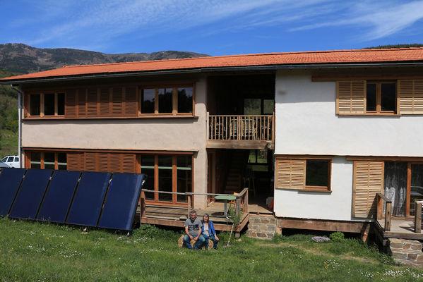 Eco-gîtes Camparols : terre, bois, paille & énergies renouvelables
