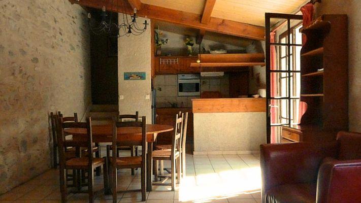 Mouniade, salle à manger et cuisine,  Domaine de Lacan
