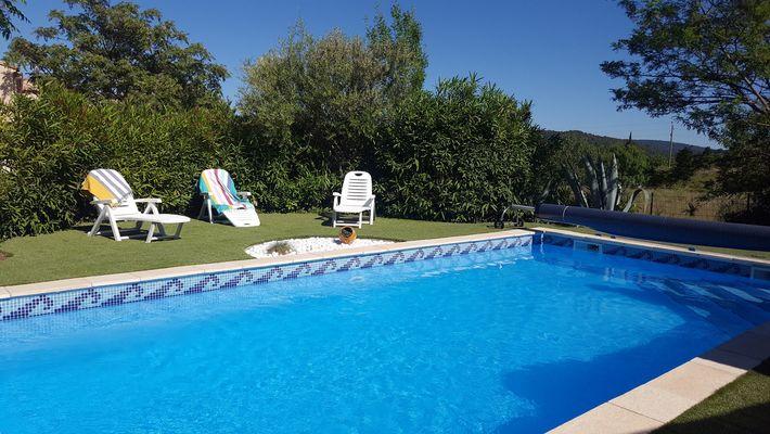 les-loges-du-tary--la-piscine
