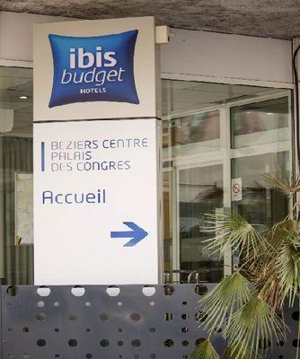 photo10 panneau accueil ibis budget beziers centre