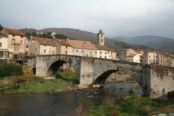 pont-vieux-riols