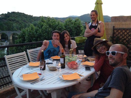 Chez Nanie-Repas sur la terrasse