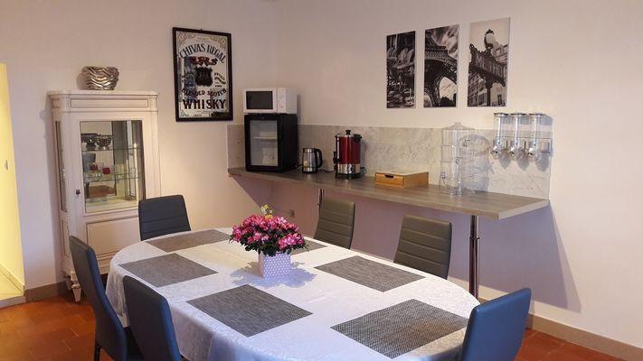 salle petit déjeuner Maini Laeticia