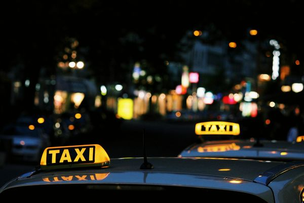 taxi-lexi-ruskell-unsplash-4