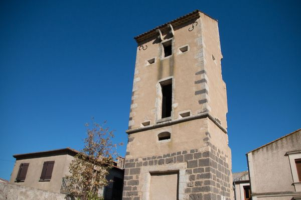 tour-du-chateau-Villeneuve--1---KGregoire