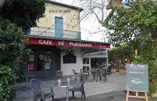 30_Cafe_Plaisance_R_t.800