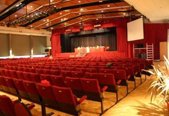 700 - Palais des congrès
