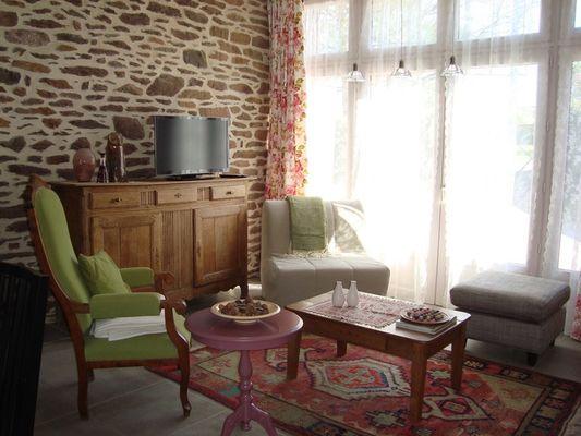 La Grange au Rocher / Salon
