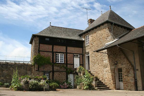MANOIR LA BARDOULAIS - façade - St Méloir