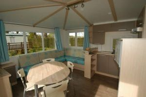 Camping-La-Touesse-Saint-Lunaire-innterieur-mobilhome