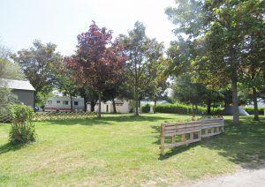 Camping-Les-Etangs-La-Richardais-emplacement