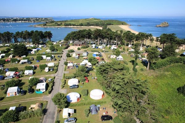 Camping les Chevrets - Saint-Coulomb