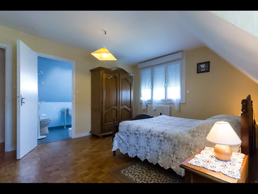 Chambres d'hôtes Mme Michel chambre 1 vue sdb - Malestroit - Morbihan Bretagne