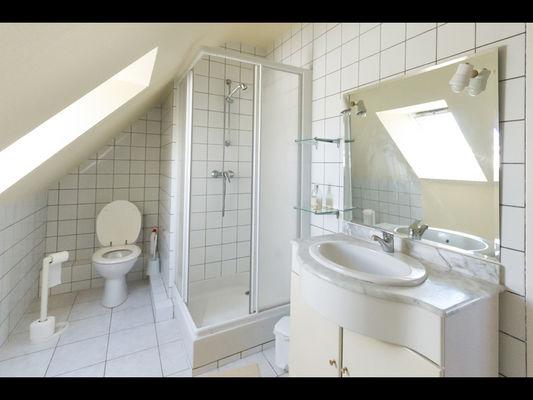 Chambres d'hôtes Mme Michel chambre 2 salle d'eau - Malestroit - Morbihan Bretagne