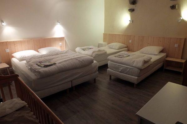 Chambres lits double et jumeaux- Les Hirondelles - Le Val es Bouilli - St Jouan des Guérets