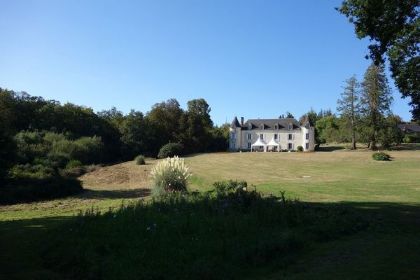 Château et parc de la Ville Huë
