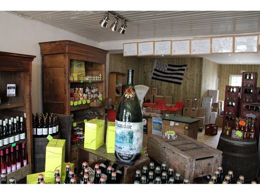 Cidre-artisanal-La-Ruaudaie---magasin