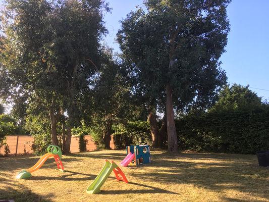 DESCARREGA.Jardin et jeux pour enfants.Cancale