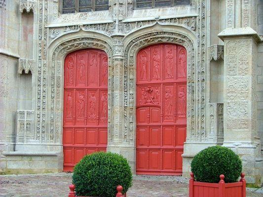 Protail nord de l'église Saint-Armel