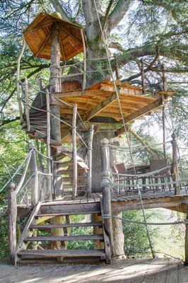 Cabanes dans les arbres Domaine des Ormes à Épiniac