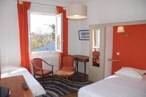 Hotel-Altair-Dinard-chambre-triple-orange