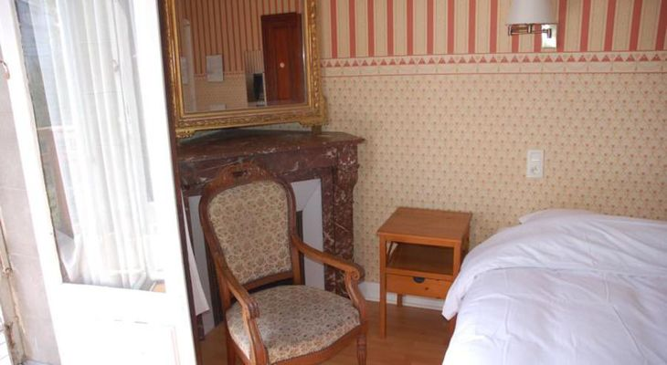 Hotel-Altair-Dinard-chambre-double-chaise