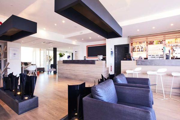 Hôtel-Restaurant Kyriad Prestige Vannes Pompidou