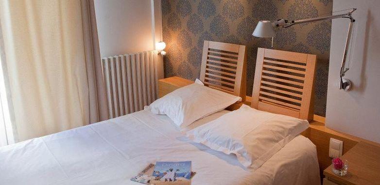 Hotel-de-la-Vallee-Dinard-chambre-double-3