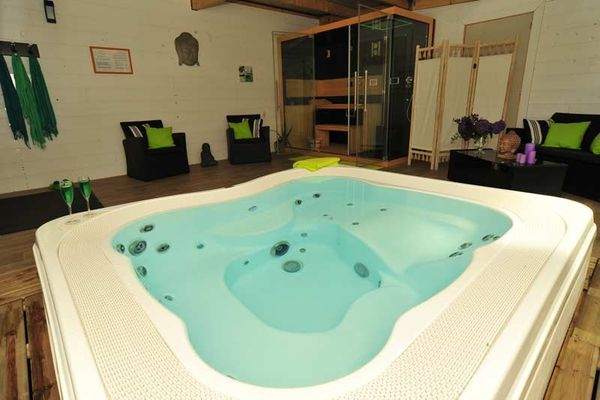 L'espace bien-être du camping Duguesclin, le spa, le sauna... cocooning