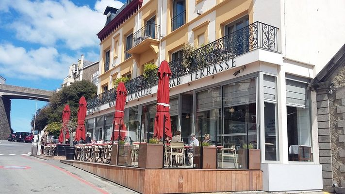 La-Vallee-Dinard-facade-2