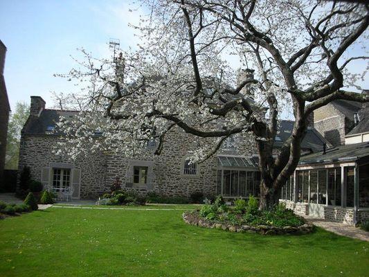 Le-Berceul-Duault-La-Richardais-Jardin