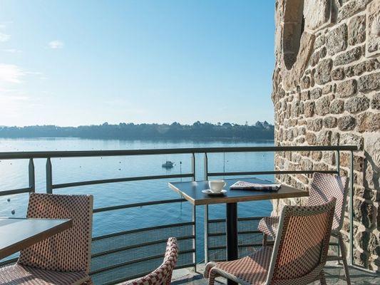 Le-Pourquoi-Pas-Dinard-tables-vue-mer