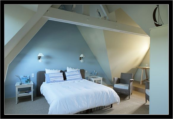 Le-Vieux-Logis-Vautier-Ginette-Saint-Briac-chambre-double-bleu
