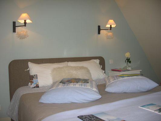 Le-Vieux-Logis-Vautier-Ginette-Saint-Briac-chambre-double-bleu-gris