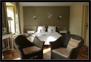 Le-Vieux-Logis---Vautier-Ginette-Saint-Briac-chambre-double-grise