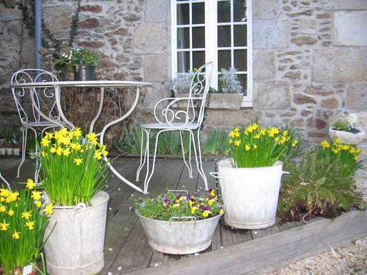 Le-Vieux-Logis-Vautier-Ginette-Saint-Briac-salon-de-jardin