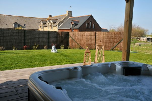 Location-Moulin-Jean-Luc---jacuzzi---Saint-Malo-4