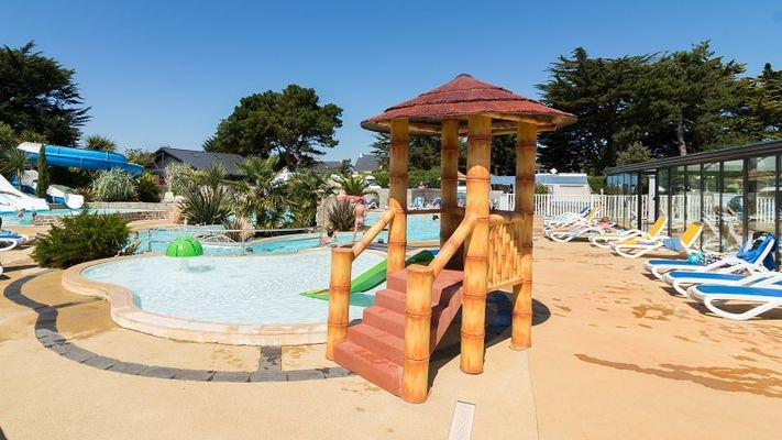 Saint-Lunaire-Camping-Longchamp-aire-de-jeux-enfants