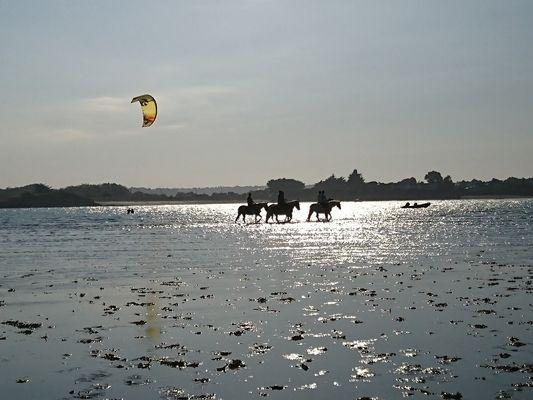 Ty-Haras-Lancieux-promenade-dans-la-baie