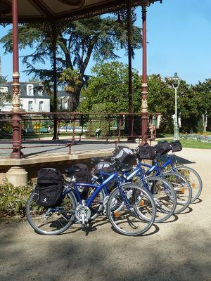 VTC Velos Bleus 21 V  avec équipements - Vélos Bleus - Saint-Malo
