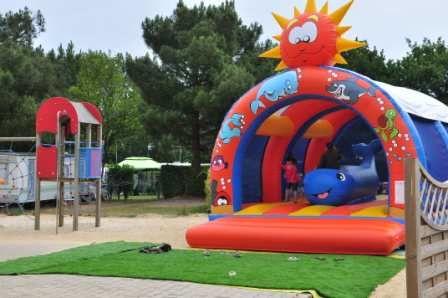 Aire-jeux-enfants-dinard-camping