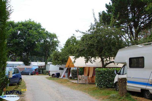Camping de l'Etang du Pays blanc