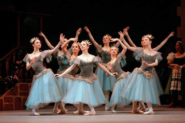 Royal Opera House - Coppelia - retransmission cinéma - Ploërmel