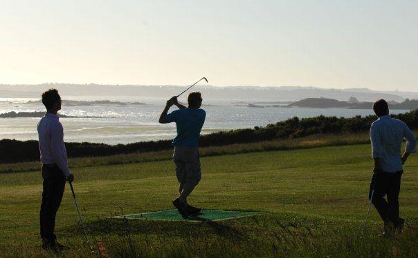 GAEA Golf de Lancieux - Golfeurs face à la mer