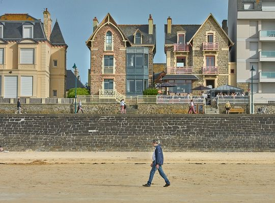 vue exterieure-hotel les charmettes -saintmalo