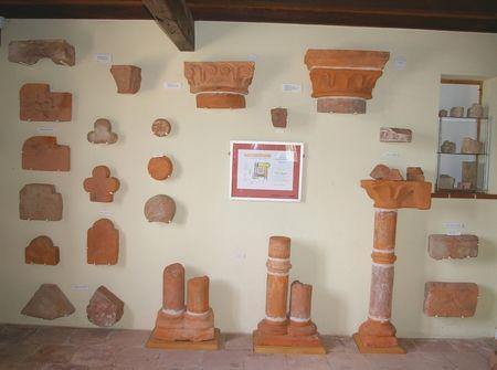 Architecture en terre cuite de l'Ordre de Grandmont (XIIIème siècle) musee archeologique VILLARES