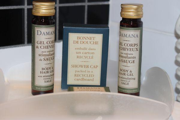 Chambre Confort ; Salle de bain  Grand Hotel Orleans TOULOUSE