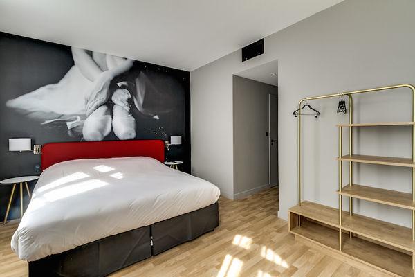 Chambre_Privilège_vue_place_du_Capitole_Hotel_du_Taur_vue_face_gauche