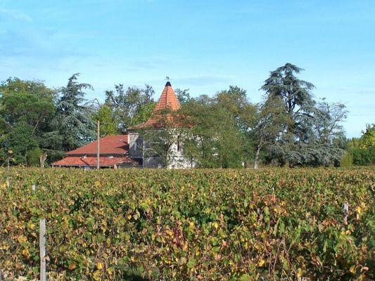 Chateau La Loge2