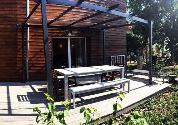 Gîte terrasse Côté Bois Domaine Merveilles LHERM